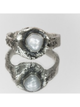 Inel unicat, din argint cu perla de cultura neregu...
