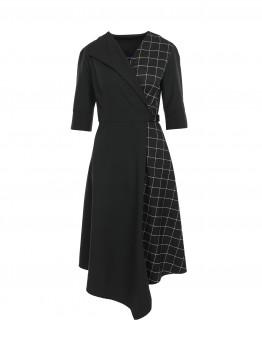Rochie neagra cu insertie de carouri si catarama